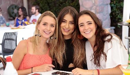 Faustina Villarreal, Claudia Rodríguez y María Cueli.