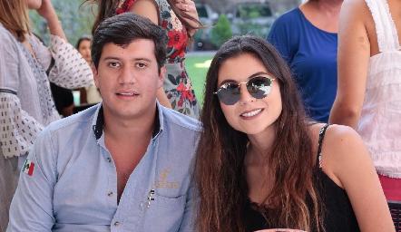 Frank Osnaya y María José González.