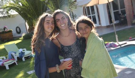 Inés, María y Manuela Ovalle.