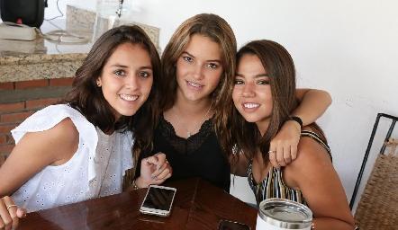 Natalia Rentería, Renata Fernández y Ale Michel.