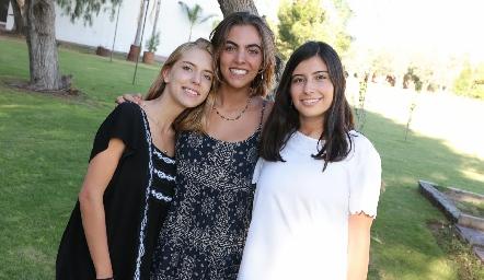 Emilia García, María Ovalle y Ana Paula García.