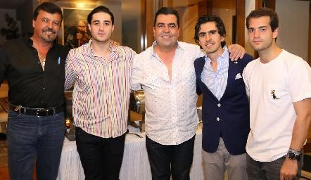 Toro Gómez, Roberto Zollino, Javier Gómez, Memo Gómez y Pablo Zendejas.