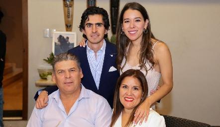 Memo Gómez, Michelle Cano, Patricio Cano y Cristina de Cano.