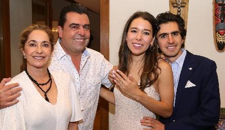 Paty Gaviño, Javier Gómez, Michelle Cano y Memo Gómez.