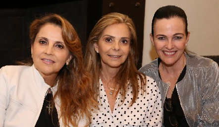 Anabel Gaviño, Elena Gaviño y Lourdes Gómez .