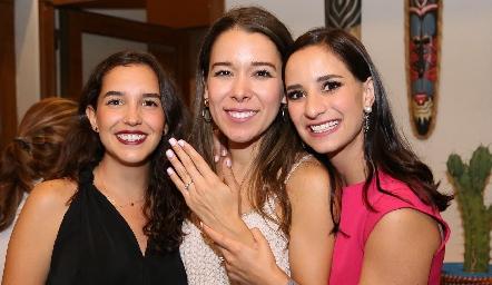 Montse Villanueva, Michelle Cano y  Luli Lamas.