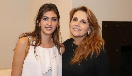 Paty Gómez y Anabel Gaviño.