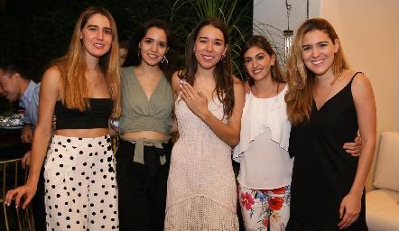 Anasty Cano, Paola Cano, Michelle Cano, Paty Gómez y Jocelyn Cano.