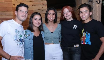 Jerónimo Gómez, Patricia Leos, Pao Oliva, Renata y Gonzalo Alcalde.
