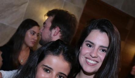 Daniela Navarro y Casandra Nava.