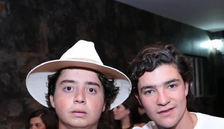 Juan Pablo Arriaga y Jose Madrigal.