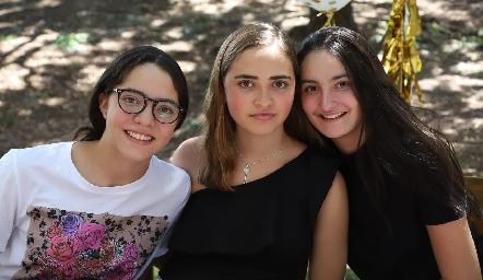 Carlota, Lorenza y Lore.