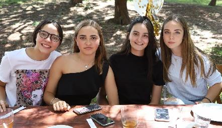 Carlota, Lorenza, Lore y Joaquina.