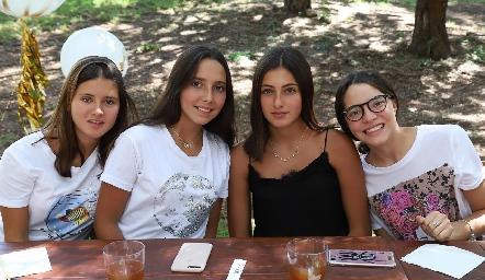 Isa, Vale, Marina y Carlota.