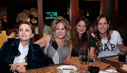 Anabel Gaviño, Sofía Romero, Chelito Padrón y Adriana Pedroza.