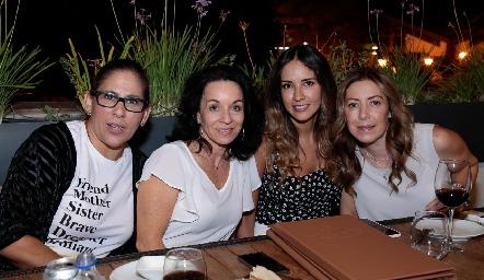 Adriana Rodríguez, Adriana Espinosa, Liliana Soto y Anna Astrid Navarro.