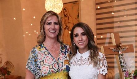 Maru Bárcena con su futura nuera Ana Gaby Ibarra.