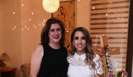 Rosaura López y su hija Ana Gaby Ibarra.