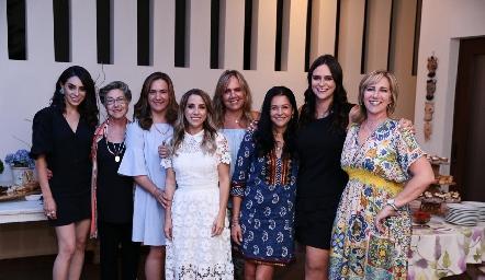 Adri de la Maza, Coquena y Gabriela Bárcena, Ana Gaby Ibarra, Ana Clara Bárcena, Ana Tere Santacruz, Eugenia Valle y Maru Bárcena.