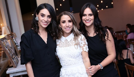 AdrI de la Maza, Ana Gaby Ibarra y Cuque Valle.