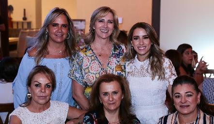 Ana Clara Bárcena, Maru Bárcena, Ana Gaby Ibarra, Mónica González, María Elena y Lupita Rivera.