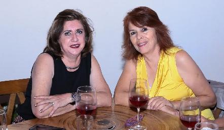 Rosaura López y Rocío Álvarez.