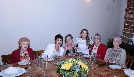 Carmen Pous, María Teresa Martín, Coquena de Bárcena, Ana Gaby Ibarra, Raquel y Rosa María Bárcena.