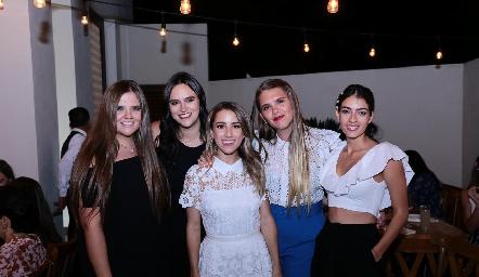 Regina Solana, Cuque Valle, Ana Gaby Ibarra, Sofía Solana y Montse Madrigal.