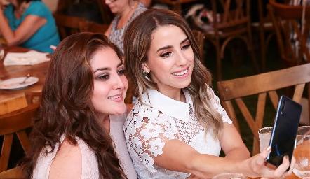 Daniela Delgado y Ana Gaby Ibarra.
