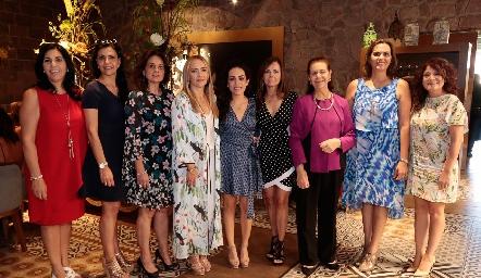 July y MelyMahbub, Maru Martínez, Claudia del Pozo,  Ale Zepeda,Elsa Tamez, July de Mahbub, ClaudetteMahbub y Beatriz Rojas.