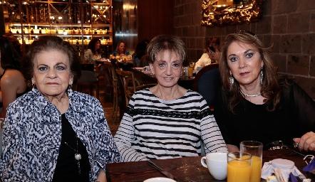 Ana María Sarquis, Catalina Sarquis y JulyAbud.