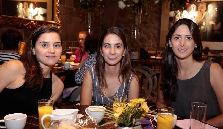 Eugenia Musa, Lore Andrés y Cata Abud.