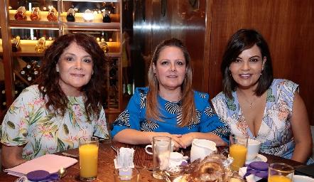 Beatriz Rojas, Elizabeth Hernández y KikisFernández.