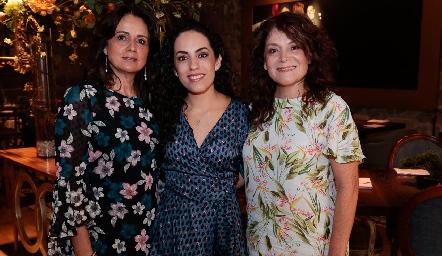 Ale Zepeda con su suegra, Maru Martínez de Mahbub y su mamá, Beatriz Rojas de Zepeda.