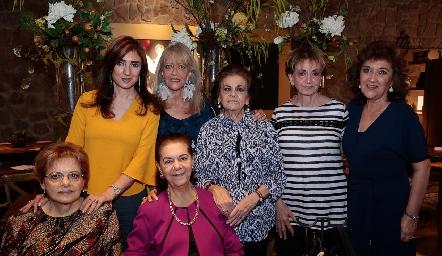 Martha Abud, Chayo, Ana María, Catalina, Margarita, Rosita y JulySarquis.
