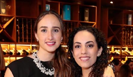 Ale con su cuñada, Ángeles Mahbub.