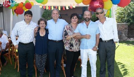 Luis, Carmen, Carlos, Patricia, Óscar y Ricardo Torres Corzo.