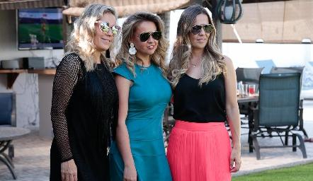 Lucieron muy guapas, Mónica, Monse y Marcela Torres Labastida.