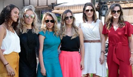 María Meade, Mónica, Monse y Marcela Torres, Mariana Llaguno y Eunice Camacho.