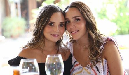 Paulina Tello y Ximena Castillo.