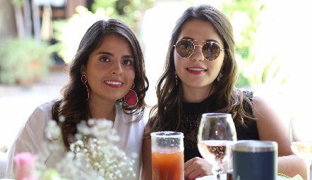 Raquel Garza y Fernanda Cosío.