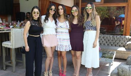 Fernanda Cosío, Fernanda González, Ximena Castillo, María José Valle y Susy Levenez.