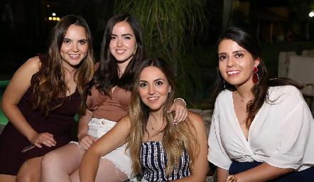 María José Valle, Valentina Díaz , Susy Levenez y Raquel Garza.