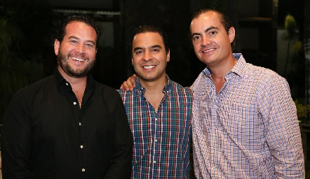 Pablo Guerra, Mauricio García y Christian Almazán.