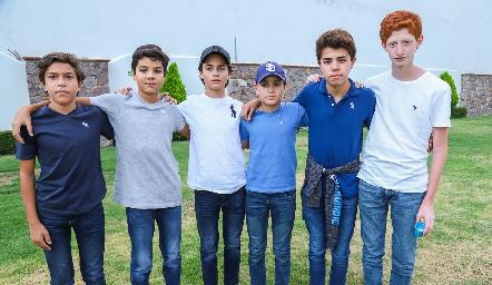 Andrés, Mau, Javi, Juan Pablo, Juan Ma y Diego.