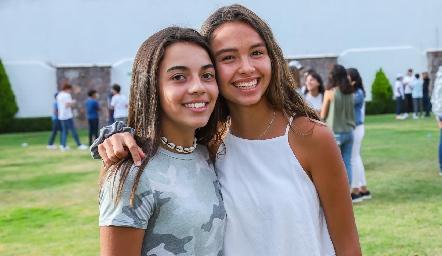 María y Alexa.