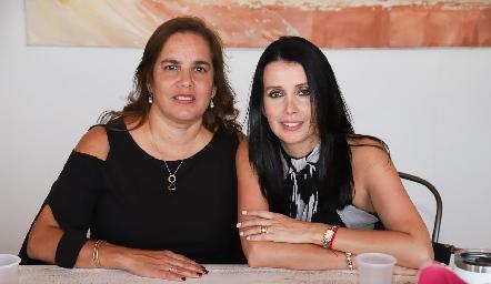 Nena Aguirre y Lupita Padilla.