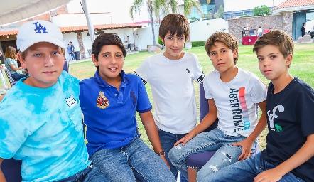 Santiago, Marcelo, Juan Carlos, Mau y Lucas.