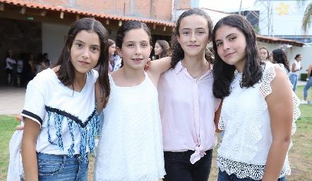María, Ana Caro, Montse y Connie.