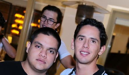 Joaquín Calderón y Fer Santibáñez.